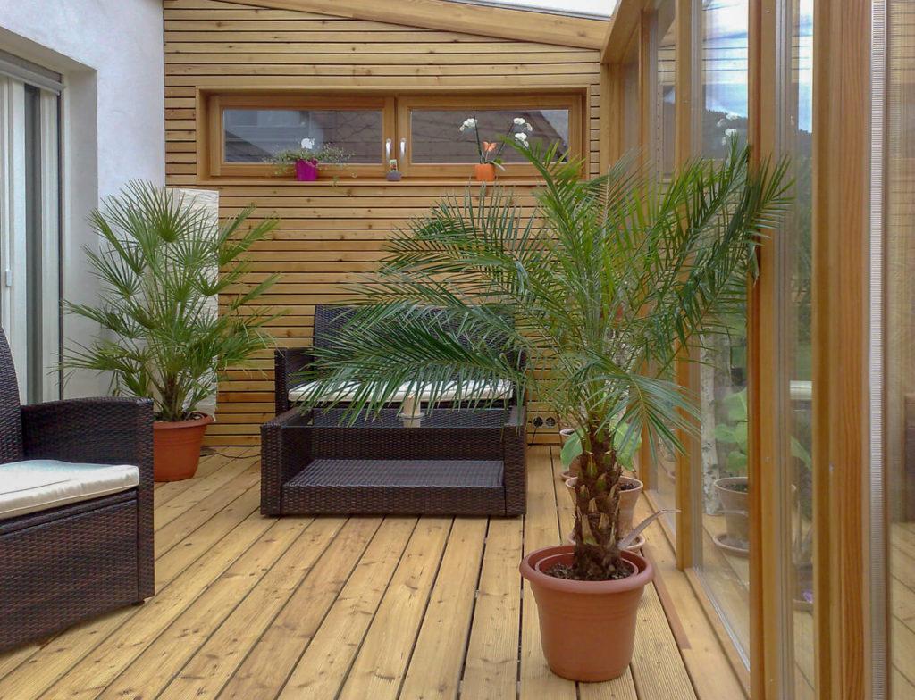 Holz im Garten Wandverkleidung Gartenmöbel aus Holz Gartenmöbel Terrassenmöbel Terrasse Holzmöbel Möbel aus Holz Möbel nach Maß Massivholzmöbel Massivholz Vollholzmöbel