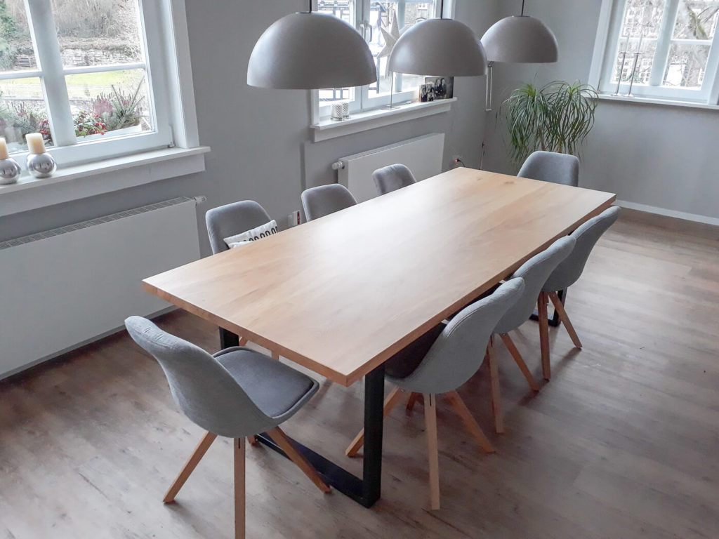 Massivholztisch Holztisch Esstisch Holzmöbel Möbel aus Holz Möbel nach Maß Massivholzmöbel Massivholz Vollholzmöbel