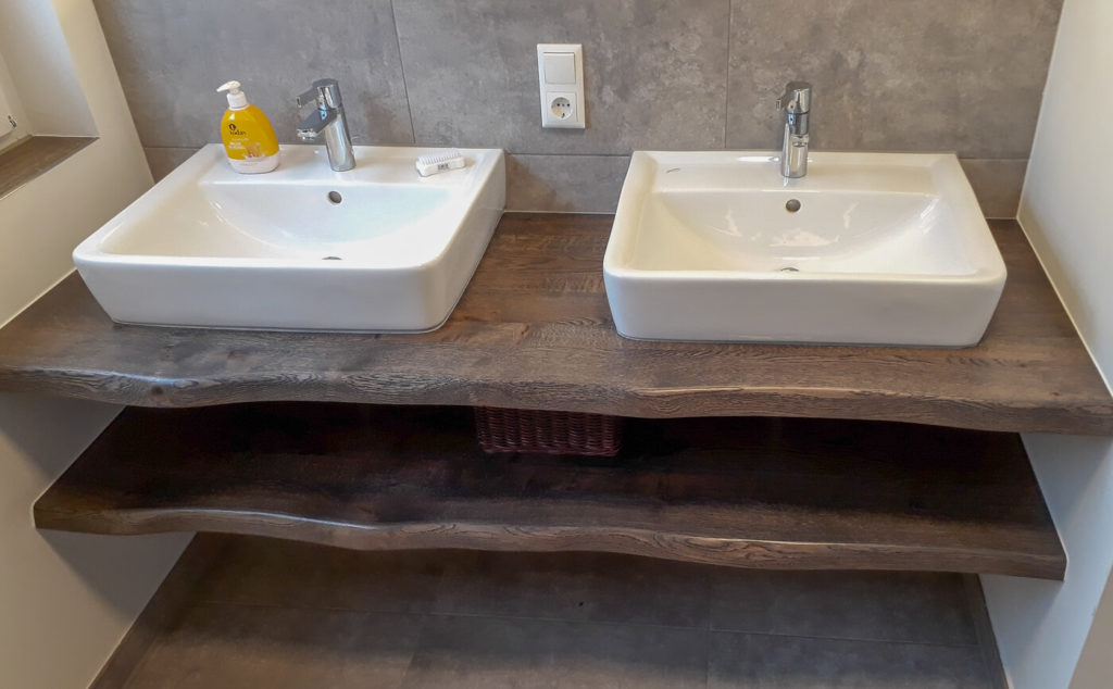 Holzmöbel Möbel aus Holz Möbel nach Maß Massivholzmöbel Massivholz Vollholzmöbel
